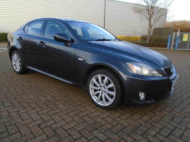 lexus is 220d manual