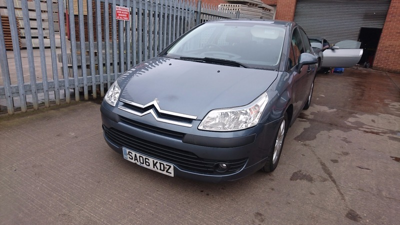 Citroen c4 1 4i 16v sx 90hp v k garages for Garage citroen c4