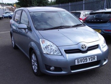 Toyota Corolla Verso 2.2 D-4D 140 SR....ONE FORMER KEEPER....SERVICE HISTORY .... 7 SEATER