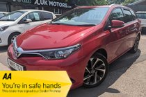 Toyota Auris VVT-I DESIGN TOURING SPORTS