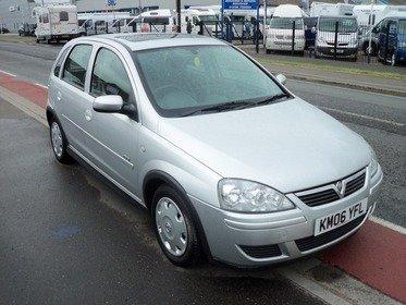 Vauxhall Corsa 1.2I 16V DESIGN A/C