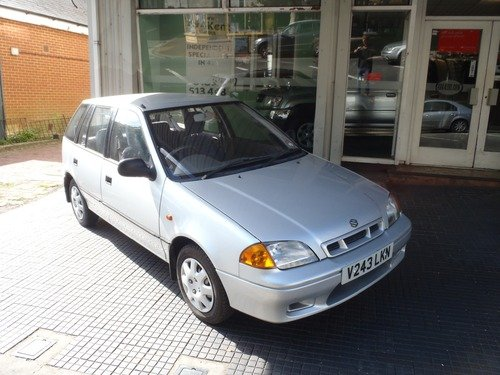 Suzuki Swift 1.3 GLX IDEAL FIRST CAR!