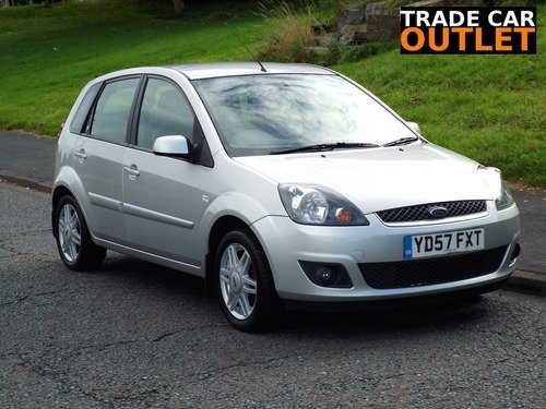 Ford Fiesta 1.4I 16V GHIA+LEATHER+ NEW MOT